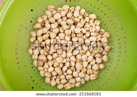 chickpeas in ware #251868583