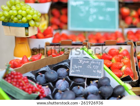 Sweet fresh bio figs and berry on Paris farmer agricultural market #261926936