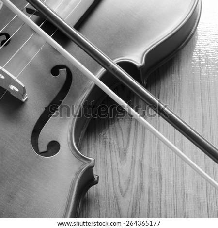 classic black and white violin #264365177