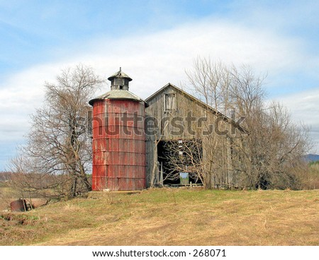 I took this photo of this beautiful barn a few years ago. Just last month it was taken apart  to be used in someones house. What a shame. Old barns should rot to the ground.