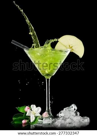 Appletini cocktail splash #277332347
