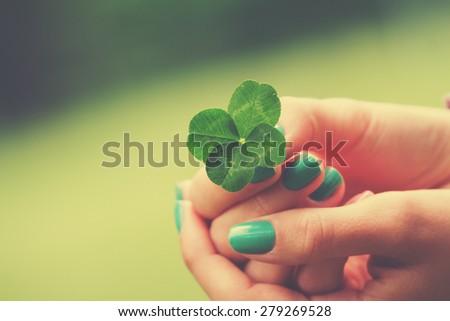 Four leaf clover.