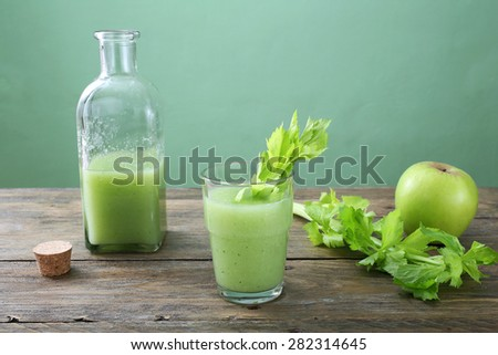 celery and apple smoothie #282314645