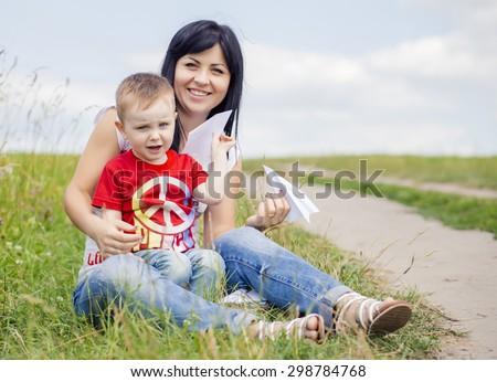 Best happy family play #298784768