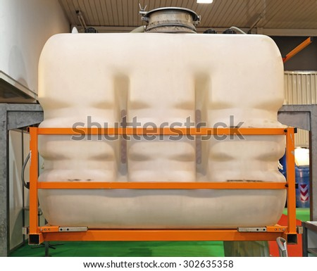 Plastic Tank For Liquids at Agricultural Machinery #302635358