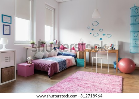 Teen girl bedroom and space for study #312718964