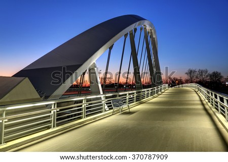 Main Street Bridge in Columbus, Ohio at dusk