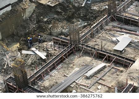 MARCH 5, 2016 : NONTHABURI - THAILAND : Under-construction of concrete building for car parking at Electricity generating authority of Thailand, Nonthaburi #386275762
