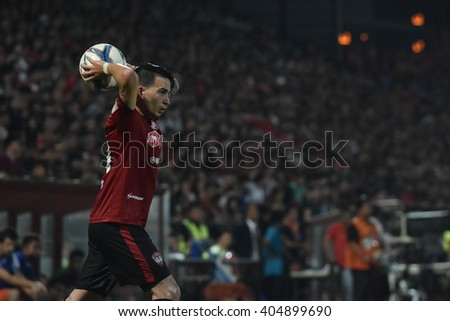 NONTHABURI-THAILAND MAR9:Tristan Do  of Muangthong Utd in action during Thai Premier League 2016 Muangthong Utd and Bangkok Glass FC at SCG Stadium on March 9,2016 in Nonthaburi,Thailand #404899690