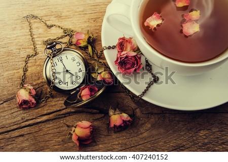 Traditional English 5 o'clock tea.