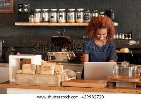 Building her cafe's online brand #429982720