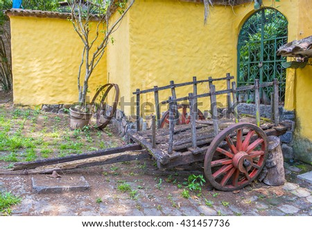 SUCHITOTO , EL SALVADOR - MAY 07 : Old wagon in the street of Suchitoto El Salvador on May 07 2016. the colonial town of Suchitoto built by the Spaniards in the 18th century #431457736