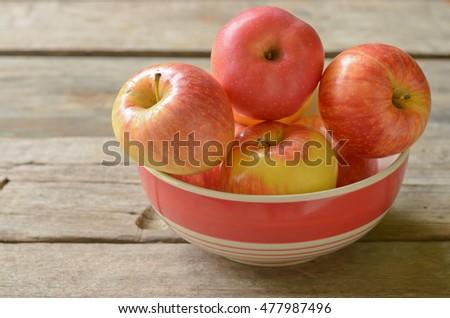 apples #477987496