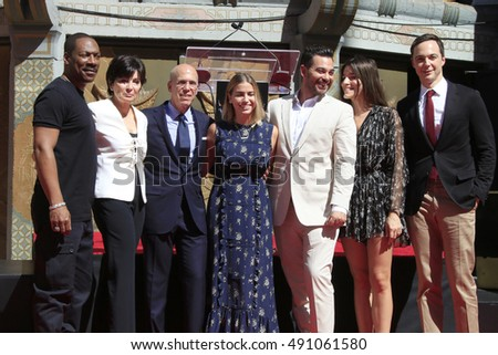 LOS ANGELES - SEP 29:  Eddie Murphy, Jeffrey Katzenberg, Stacey Snider, Jim Parsons at the Katzenberg Hand And Footprint Ceremony at the Chinese Theater IMAX on September 29, 2016 in Los Angeles, CA #491061580