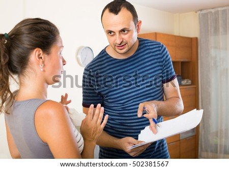 Quarrel between manager and ordinary employee indoors #502381567