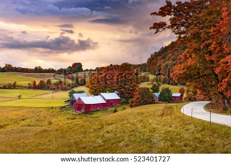 Rural autumn Jenne Farm in Vermont, USA. #523401727