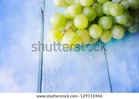 Bunch of green grapes #529516966
