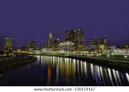 The festive skyline of Columbus, Ohio during the winter holiday season