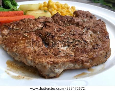 Steak #535472572