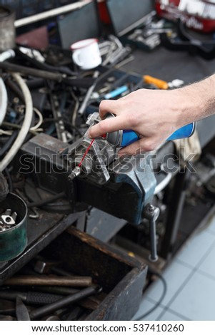 Regeneration of engine parts. Mechanical parts lubricated with grease #537410260