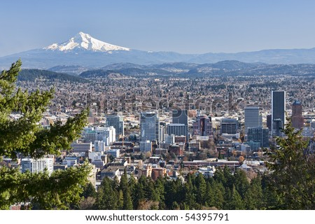 View of Portland, Oregon from Pittock Mansion.