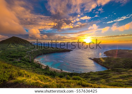 Sunrise from Hanauma Bay on Oahu, Hawaii