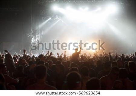 Concert #569623654