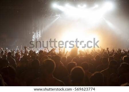 Concert #569623774