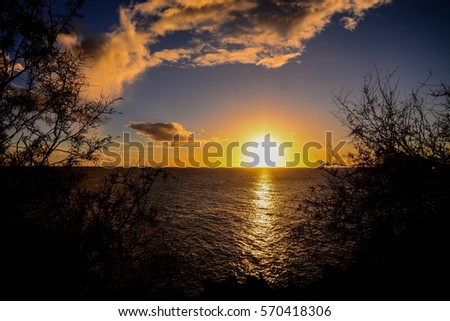 Photo Picture of a Beautiful Colored Sunset