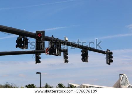 traffic light Royalty-Free Stock Photo #596096189
