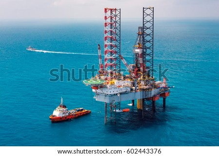 Offshore oil rig drilling platform/Offshore oil rig drilling platform in the gulf of Thailand #602443376