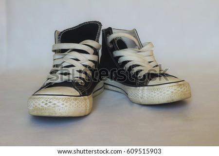 black sneakers #609515903