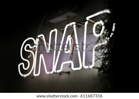 neon sign / snap