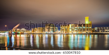 green bay wisconsin city skyline at night #650047810