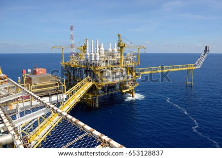 GULF OF THAILAND, THAILAND - MAY 04, 2017 : The offshore oil rig in the gulf of Thailand. #653128837