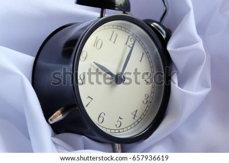 alarm clock  #657936619