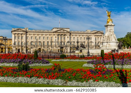 Buckingham Palace in London Royalty-Free Stock Photo #662910385