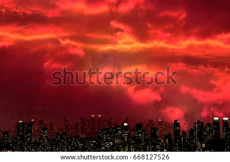 NIGHT VIEW SILHOUETTE OF NEW YORK / MANHATTAN WITH SCARY FIRE RED SKY  #668127526