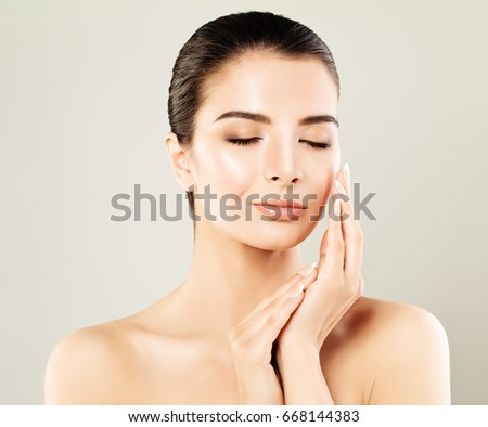 Beautiful Spa Model with Healthy Skin. Young Woman, Spa Beauty #668144383