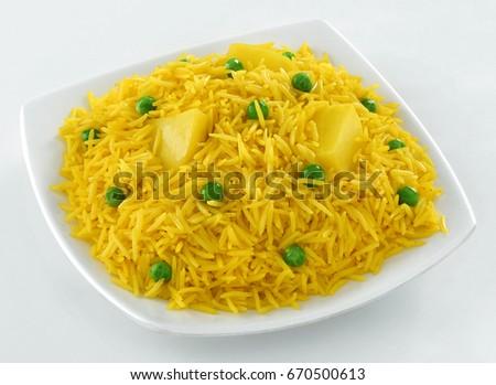 Aloo ki Tahari (Delicious Indian Rice, with potato and green peas) #670500613