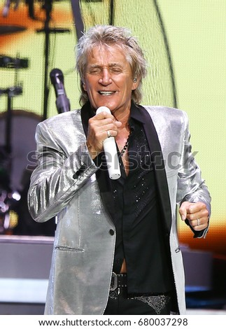 WANTAGH, NY-JUL 18: Singer Rod Stewart performs in concert at Jones Beach Theater on July 18, 2017 in Wantagh, New York. #680037298