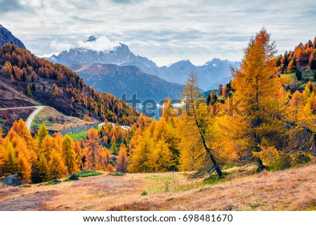 Splendid morning view from the top of Giau pass. Colorful autumn landscape in Dolomite Alps, Cortina d'Ampezzo location, Italy, Europe. Beauty of nature concept background.