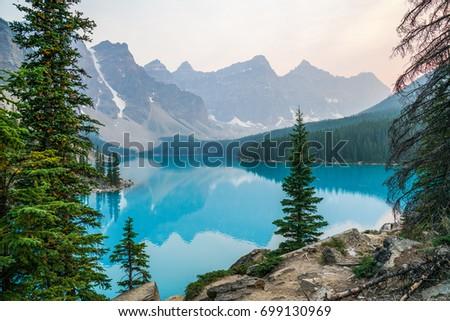 Moraine Lake #699130969