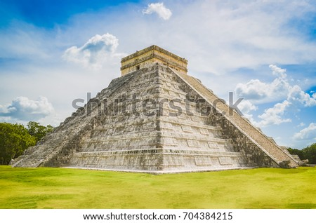 Great photo of the pyramid of Chichen Itza, Mayan civilization, one of the most visited archaeological sites in Mexico. About 1.2 million tourists visit the ruins every year.