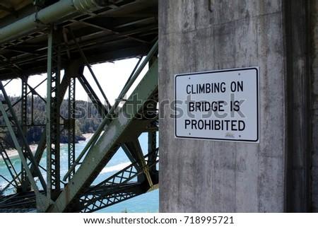 Bridge Sign #718995721