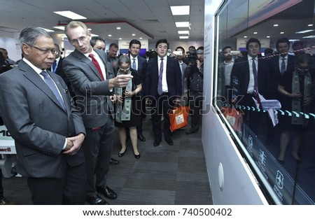 KUALA LUMPUR 02 OCTOBER 2017 : Minister of (MITI), Dato Sri Mustapa Mohamed, and President Honeywell, ASEAN, Brand Greer, visits to gelleries after Launch of The Honeywell Connected Experience. #740500402