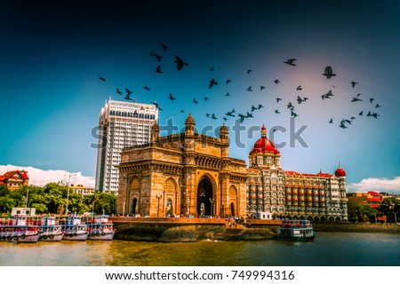 gateway of india at morning, mumbai, india Royalty-Free Stock Photo #749994316
