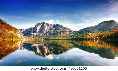 Sunny morning on the lake Altausseer See. Sunny autumn scene in the morning. Location: resort Altausseer see, Liezen District of Styria, Austria, Alps. Europe. #750001105