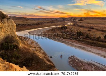 The Little Missouri River cuts through Theodore Roosevelt National Park, North Dakota #751767985