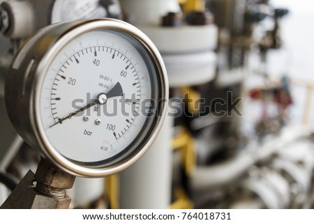 Pressure gauge or pressure indicator reading zero pressure square inch (psi)  in offshore oil and gas refinery process operation industry. #764018731